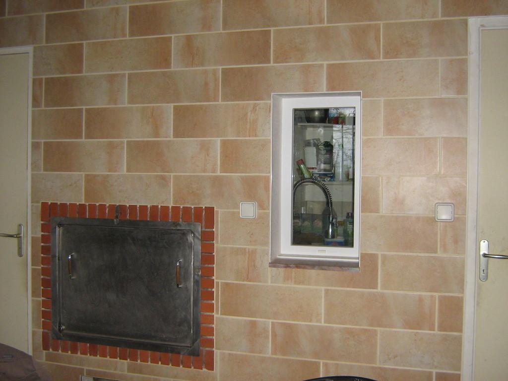Carrelage beige d'un mur par Shane Candy 44